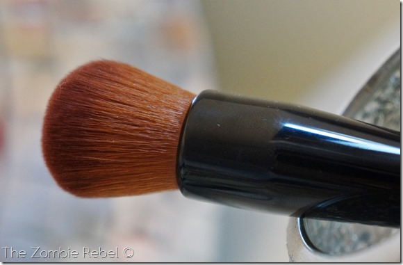 Bobbi Brown Full coverage face brush (17)
