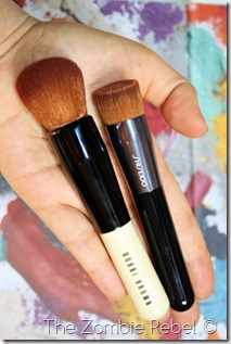 Bobbi Brown Full coverage face brush (7)