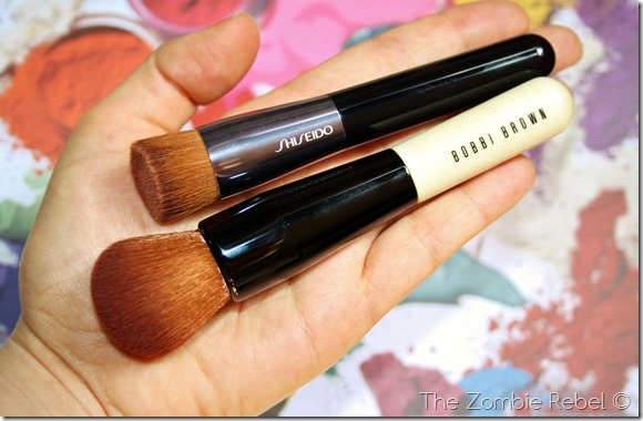 Bobbi Brown Full coverage face brush (8)