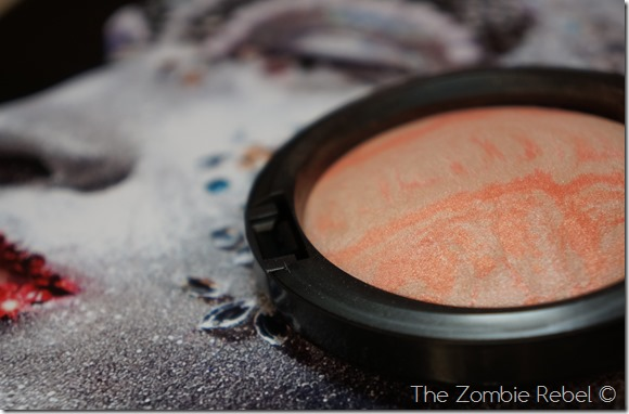 MAC Mineralize Skinfinish Adored (19)