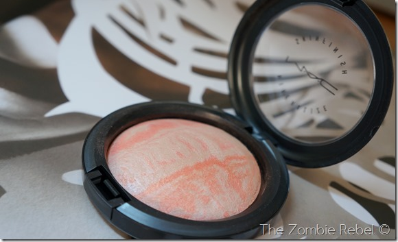 MAC Mineralize Skinfinish Adored (6)
