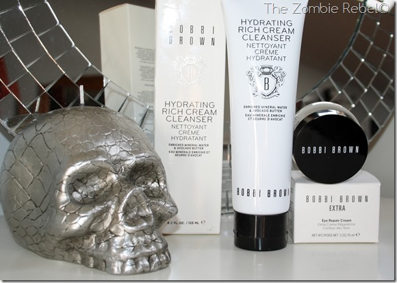 The zombie Rebel - Bobbi Brown Extra Eye Repair - Hydrating Cream Cleanser