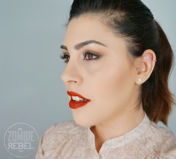Ellis-Faas-Hot-Lips-Review-Swatches-Look1The-Zombie-Rebel